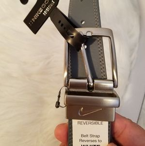 Nike Accessories - Nike Golf reversible belt